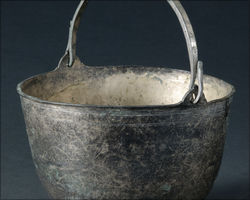 Bronze bucket to mix wine and water, from Stockstadt